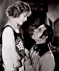 Rudolph Valentino et Vilma Bánky dans L'aigle noir